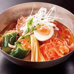 萬家 - 定番の冷麺