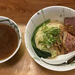 138447439 - 牛骨つけ麺(950円)