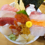 魚志 - ネタは12種類、本鮪の大トロ&赤身は特に素晴らしい