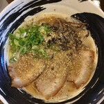 本格豚骨ラーメン 恵壱 - 料理写真:『恵壱ラーメン 白とん   750円なり』