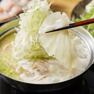 宮崎県から空輸で仕入れる鶏肉と気仙沼産ふかひれの料理が多数!