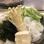 Shabusen - 野菜盛合せ
