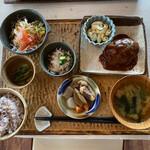 おうちカフェaiai - 料理写真:ヘルシーランチ、この内容で1100円なり(^_^)v