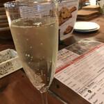 ESOLA - スパークリングワイン