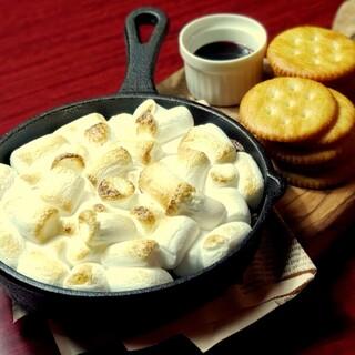 女子会に◎ラクレットチーズやデザートまで名物料理が沢山!