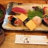三英 - 料理写真:(特)にぎり寿司10貫¥1,050