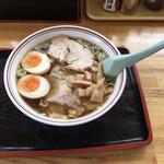 新月  - 煮卵ワンタンメン