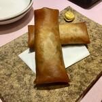 中国菜館 志苑 - 五目春巻は香ばしく揚がっていて美味しい