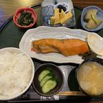 鮭山マス男商店 - 料理写真: