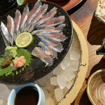 地魚料理 まるさん屋 - 秋刀魚の刺身
