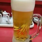 おうかん ぎょうざ - ドリンク写真:生ビール 450円(価格税抜、以下同)