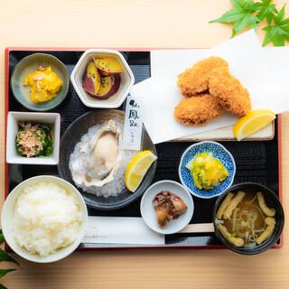 ランチタイムは、好きな主菜と副菜を選べる『おかみちゃん定食』