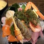 市場食堂 さかなや - 極上海鮮丼(2000円)