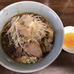 らーめん 玄 - 小の小ラーメン 麺半分ニンニクラー油 650円