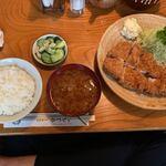 138533260 - 【特ロースかつ+ご飯+なめこ汁…1,700円】♫2020/8