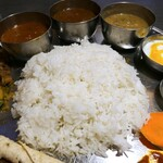 ネパール民族料理 アーガン - おかわりのライス