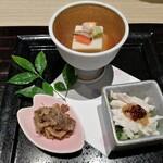 138577211 - ☆先付3種 胡麻トリュフ豆腐・蒸し鶏胡麻味噌かけ・牛肉の時雨煮