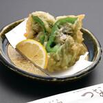 天ぷら つな八 - 季節の天ぷら かきピーマン