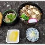 お食事処 やまへい - けんちん蕎麦と松茸ご飯のセット¥1,300(税)