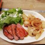 鉄板ビストロ 小島 - 二種類の肉料理が肉定食。ローストビーフは固定でしょうか?