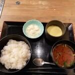 鉄板ビストロ 小島 - 肉料理より赤だし、茶わん蒸し、おぼろ豆腐の方が美味しかったかもしれません(^_^;)
