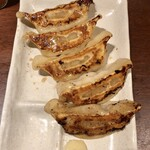 水炊き・焼鳥・鶏餃子 とりいちず - 「こだわりの焼き餃子」(390円)