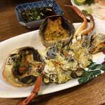 海の幸 山の幸 三平 - 島内の川で獲れる蟹。味が濃厚。