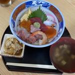 はやさか - お袋様の海鮮丼、薄ら酢飯