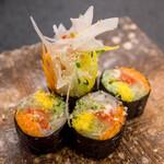 割烹の宿 美鈴 - 野菜海苔巻き