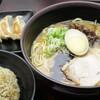 ラーメンダイニング くすのき - 料理写真:半チャーハン餃子セット