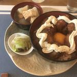 cafe やお亭 - 帆立貝柱丼全体