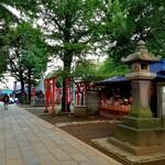上川口屋 - 本堂方向から。