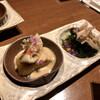 野崎屋 - 料理写真:お通し(いちじく、きのことワカメの酢の物)