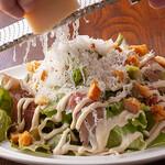 3世代で楽しめるイタリアン 「キッチンmatsui」 - 粉雪チーズのシーザーサラダ