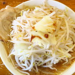 Menya yuusaburou - 勇三郎ラーメン(大盛)+野菜大盛