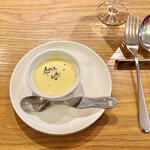 シャンパン食堂のフレンチバル ル・コントワール・ド・シャンパン食堂 - コーンスープ