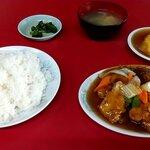 李華園 - 料理写真:酢豚定食 税込800円