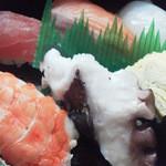 鉄火寿司 - 料理写真:にぎりを頼みました。