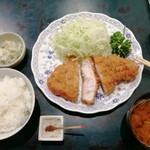 138676749 - ロースかつ 1800円 + 定食セット 500円