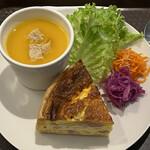 クラフト サンドウィッチ - キッシュとスープ