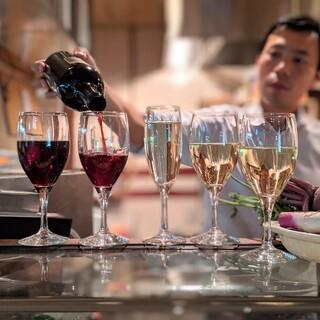 """""""ワイン""""ビール""""果実サワーこだわりのお酒いっぱい飲んで!"""