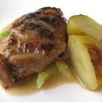 1387242 - 鶏肉のロースト シェリービネガー風味 春キャベツのブレゼと共に