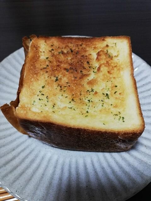いつまでも 君 食パン と