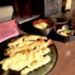 138712488 - (天ぷら 海老×3  牡蠣×3  アスパラ  下足)あさりの味噌汁 玉子の味噌汁