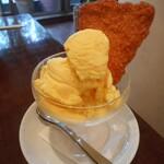 カフェ ファソン - とうもろこしのアイスクリーム