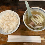 一隆 - ご飯とテールスープが最初に出てきます