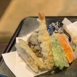 手打ちそばと朝宮茶の店 黒田園 - 大きな天ぷら