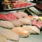 雛鮨 - 連れは白身が多いオーダー