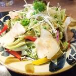Okinawatonkatsushokudoushimabutaya - あぐーヒレ肉の低温調理サラダ 680円