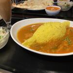 タラキッチン - 「チキン」と「ベジタブル」のあいがけカレー @790
